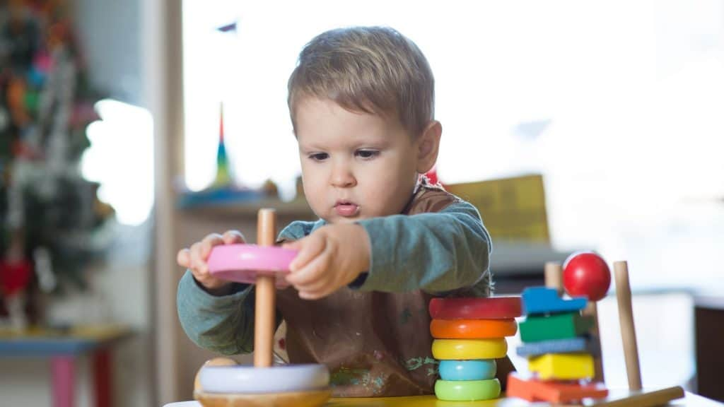 how often to rotate montessori toys (3)